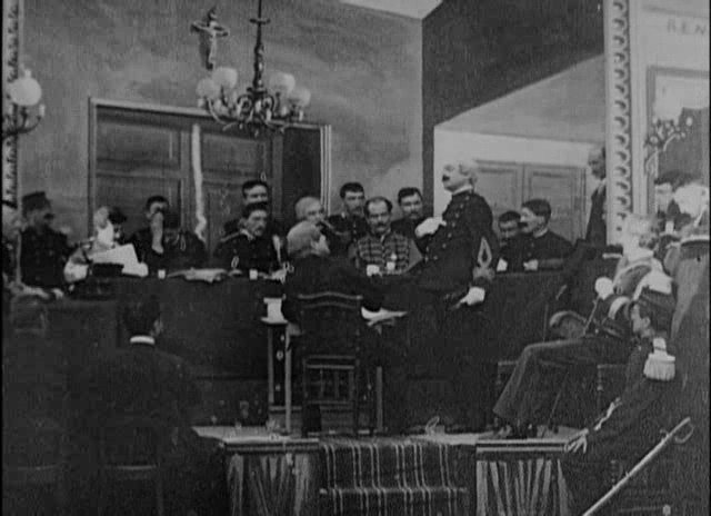 Conseil de Guerre en séance à Rennes par Georges MELIES