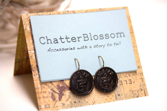 Vintage Button Earrings by ChatterBlossom #earrings #jewelry #vintage