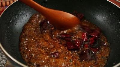 Cách làm Gà chiên đậu phộng, ớt khô cay cay bùi thơm2
