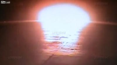 Queda do boieng 737 filmado por câmera de vigilância