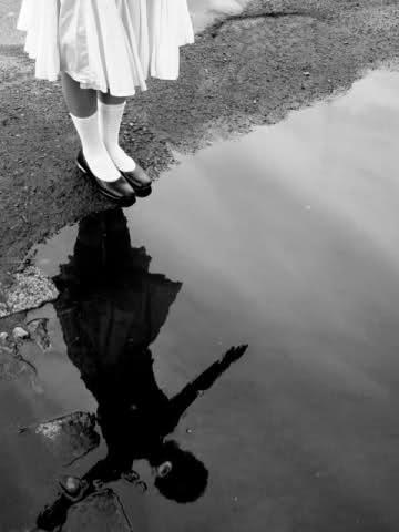 ..nessun uomo può bagnarsi nello stesso fiume per due volte, chè nè l'uomo nè le acque sono gli stessi..