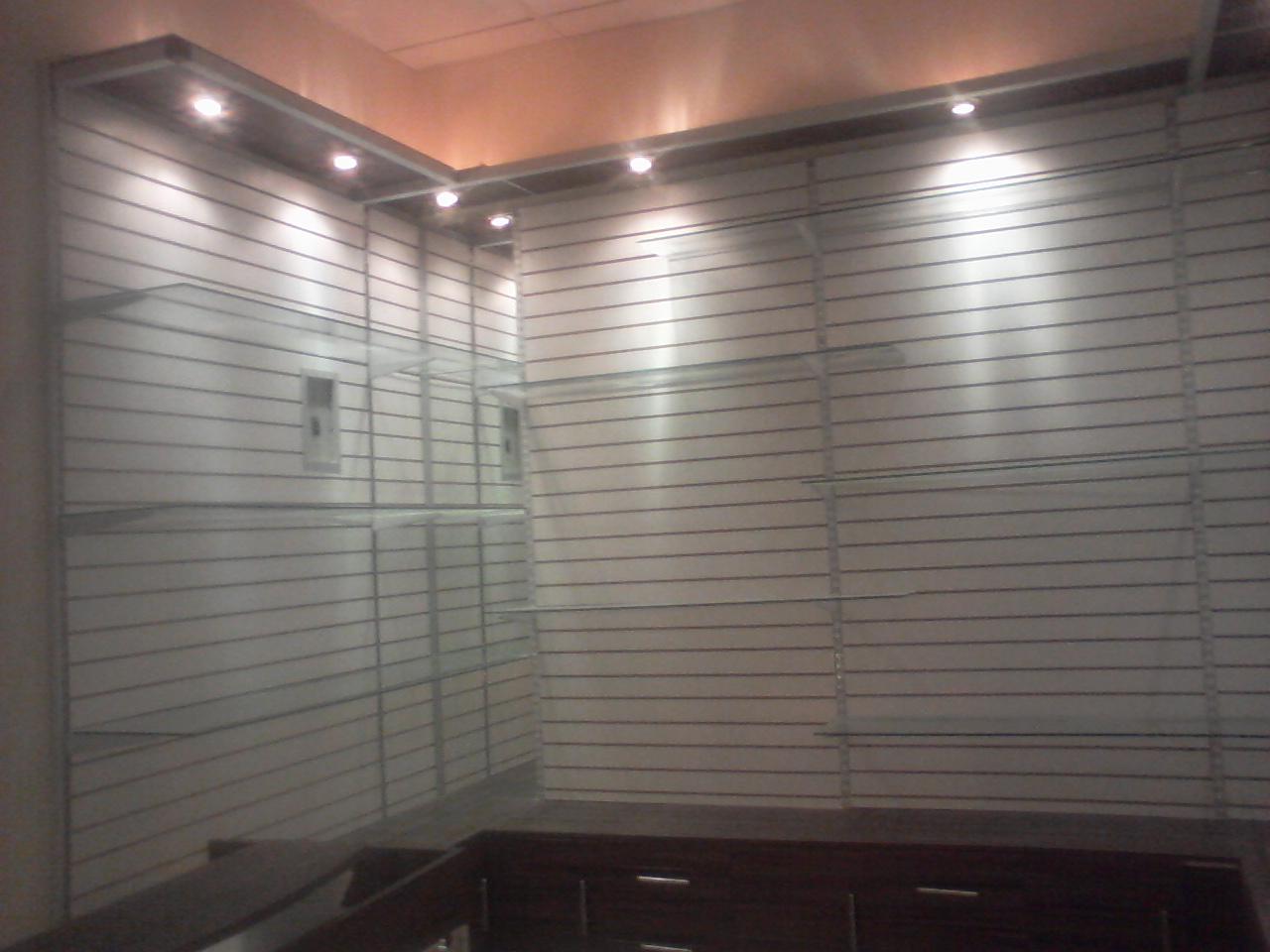 Aluminio y vidrio dise o de vitrinas en aluminio y vidrio - Vitrinas de diseno ...