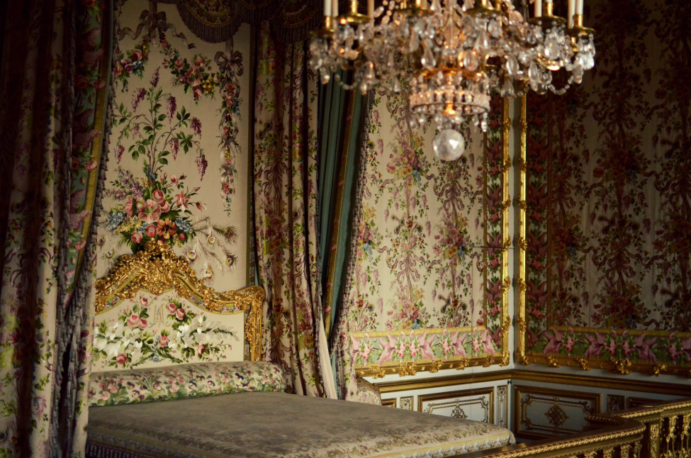 marie antoinette bedroom at chateau de versailles
