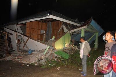 2013070305 Kumpulan Foto Gempa Aceh   Bener Meriah