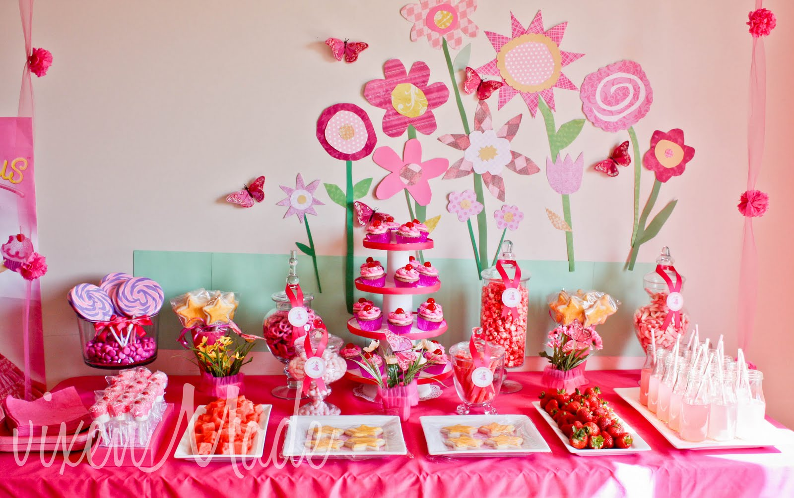 Pinkalicious sweet table by Victoria L. from Saskatoon. Click here for ...