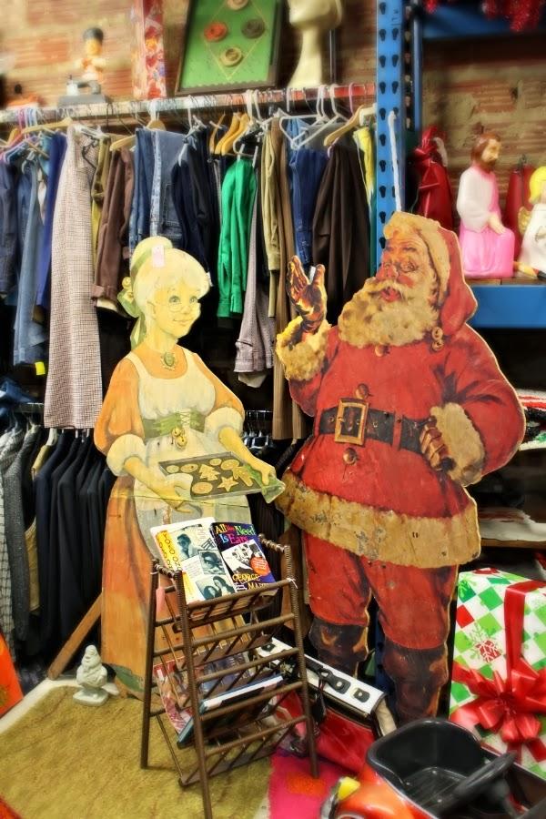 Vintage Shop Holiday Decor #vintage #christmas