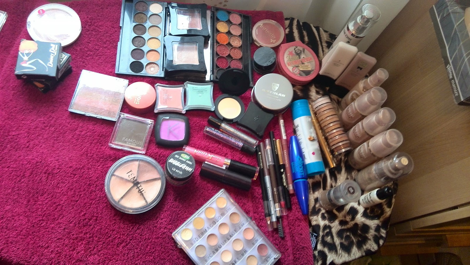 Drag Queen Makeup Kit Creative beauty : glamorous drag queen make up ...