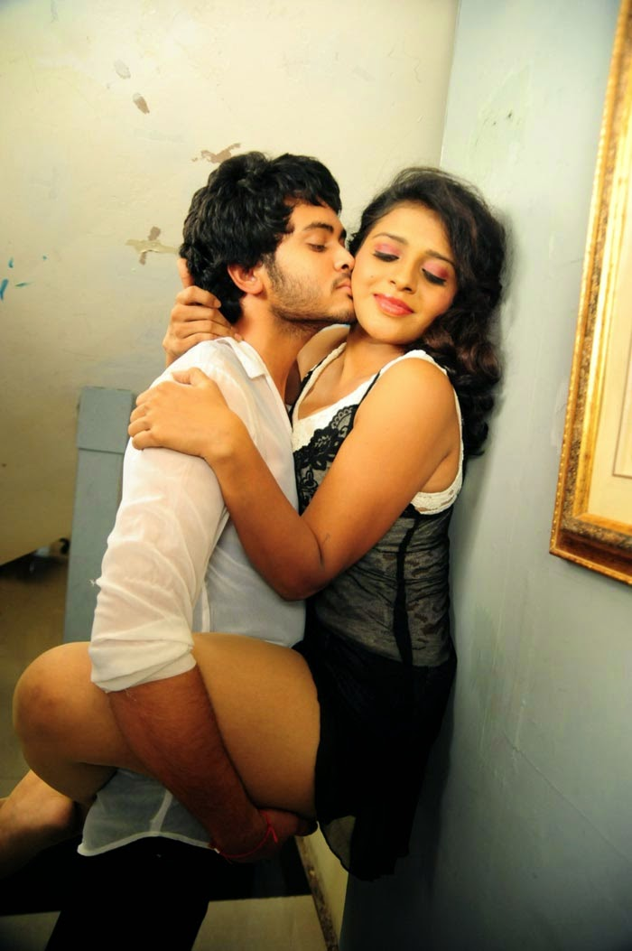 Hot Scenes from Movie Amma Nanna Oorelithe