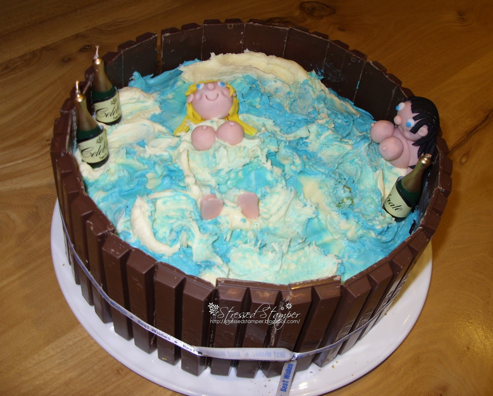 Patel cakes of naked women