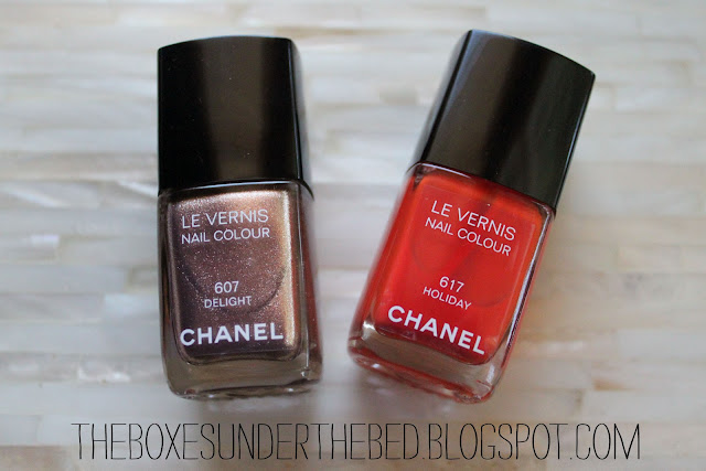 Chanel Le Vernis in Delight and Holiday Nail polish
