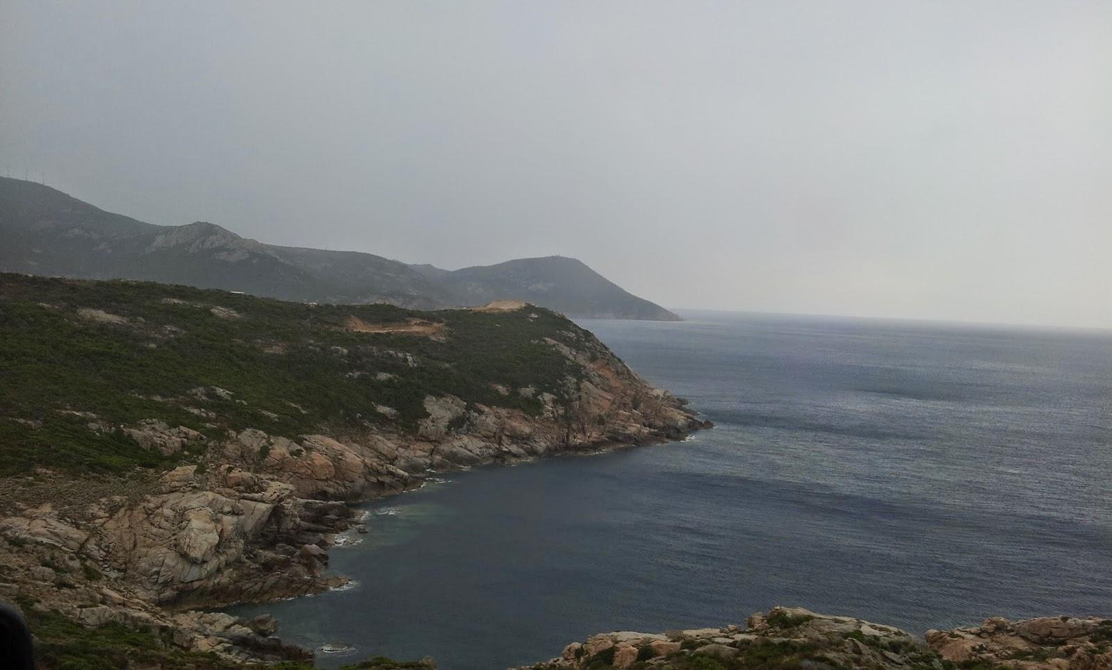 "<img src=""Korsika.jpg"" alt=""Auf Korsika, Ausblicke auf der N197"">"