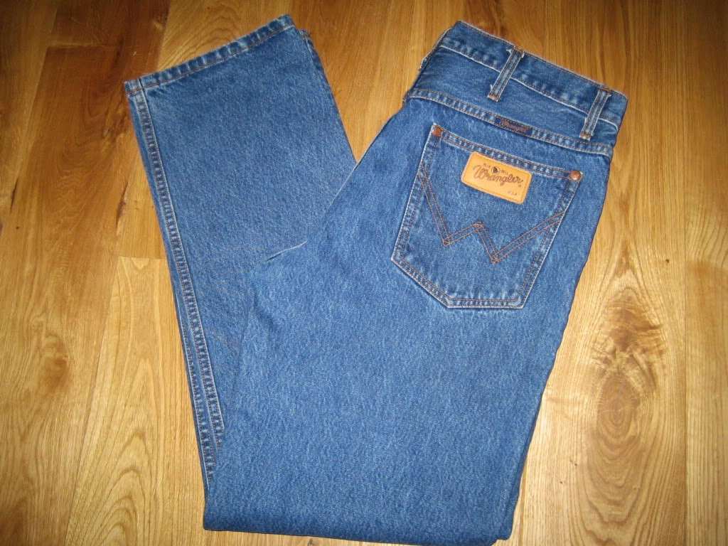 """levis distribution channel Us to use in researching new look in these channels of distribution,"""" says maurice kelly, new accounts manager levi strauss & co case study author: esri."""