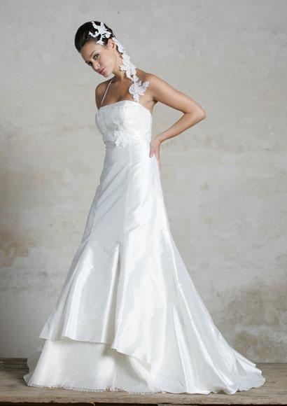 robes de mariage robes de soir e et d coration la robe de mari e fourreau. Black Bedroom Furniture Sets. Home Design Ideas