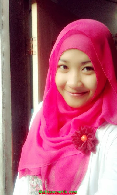 Cute Indonesian Hijab Nurse Girl New Pictures