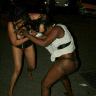 Nude girls street fighting