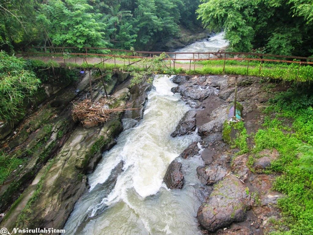 Jembatan dan Lava Bantal di daerah Berbah, Bantul