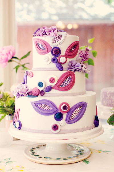 wedding cakes pictures purple and pink wedding cake. Black Bedroom Furniture Sets. Home Design Ideas