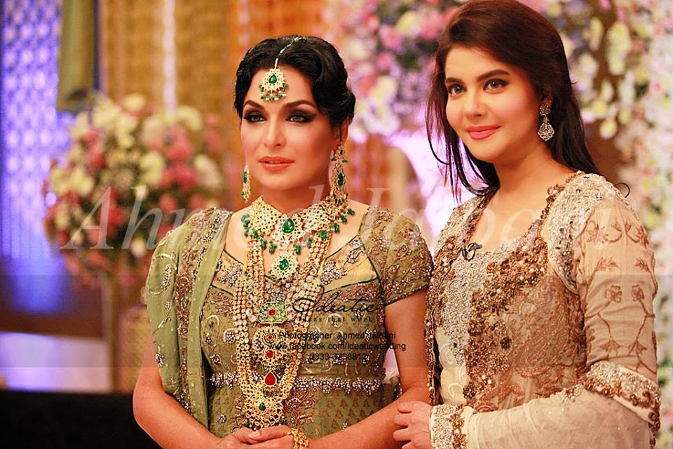 Mehndi Clothes For Brides : Bridal pakistani dresses suits mehndi designs pic jewellery