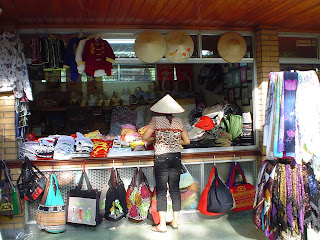 Shopping Markets in Vietnam