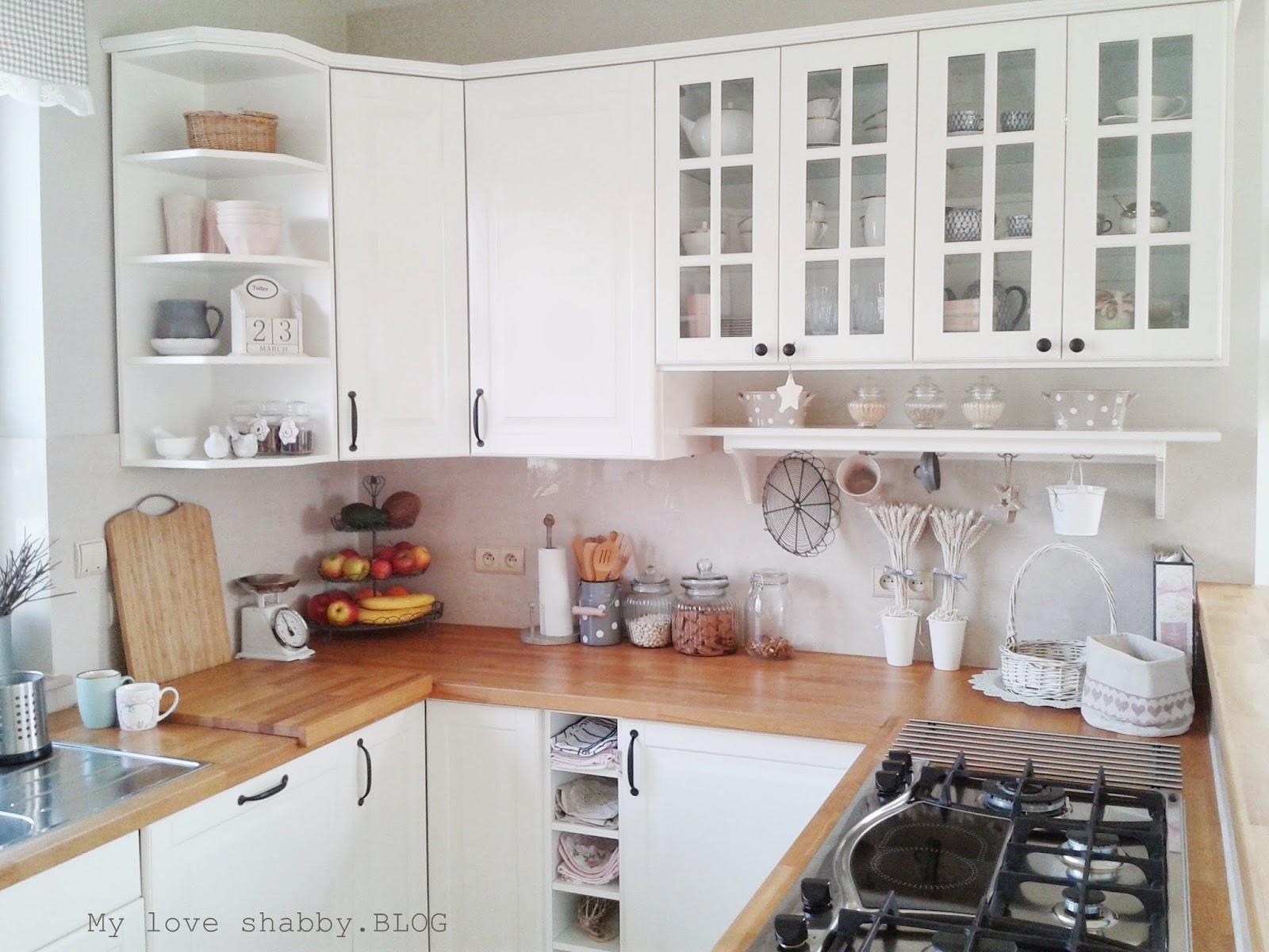 MLS blog  blog lifestylowy, wnętrza, inspiracje, DIY Biała kuchnia z drewni   -> Waniliowa Kuchnia Z Drewnianym Blatem