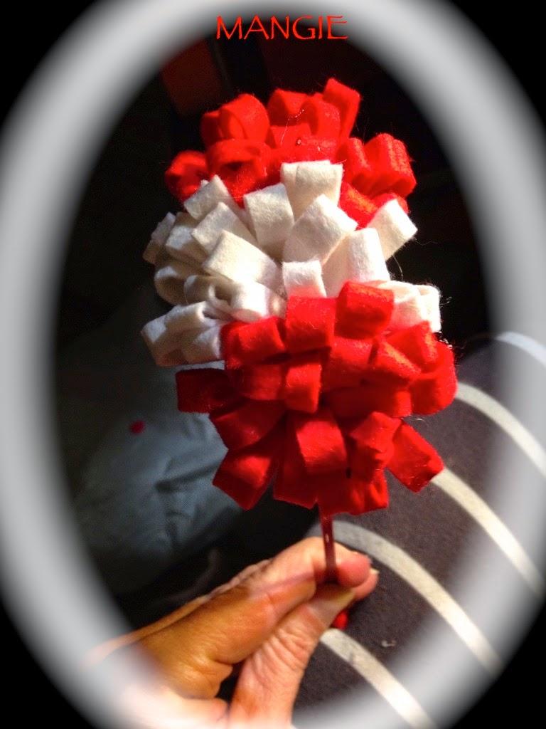Diadema triple pompón rojo y blanco