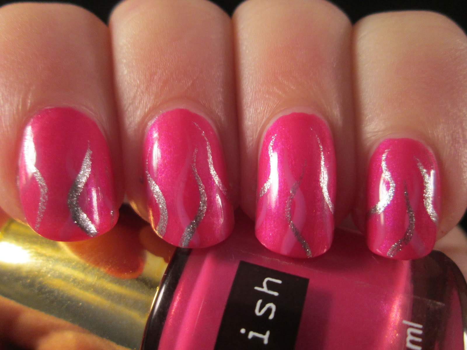 Piggieluv Silver On Pink Squiggly Nail Art