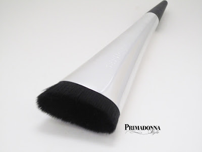 Contour angled highlight blending brush