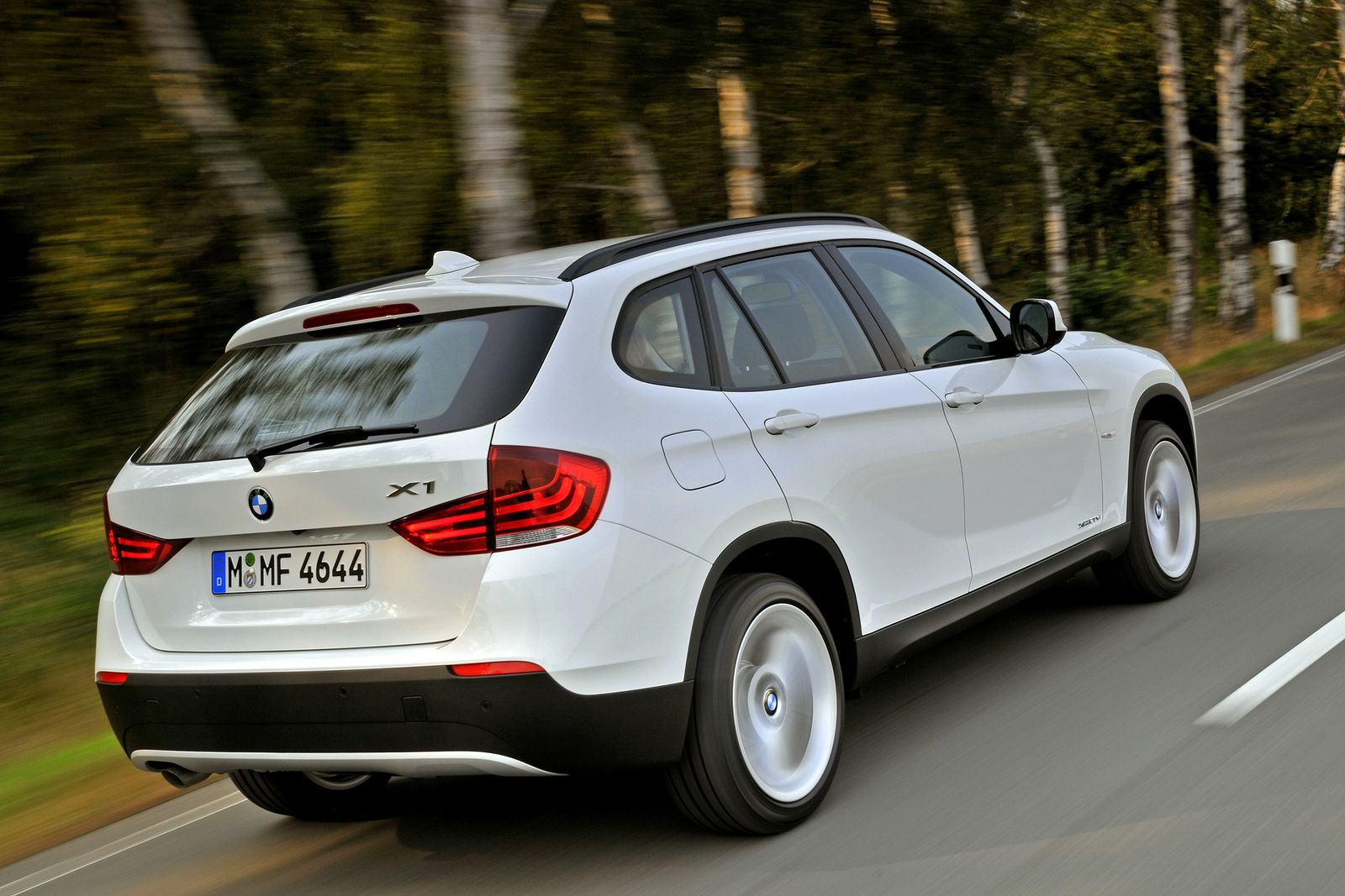 Bmw X1 Car Review Specification Images