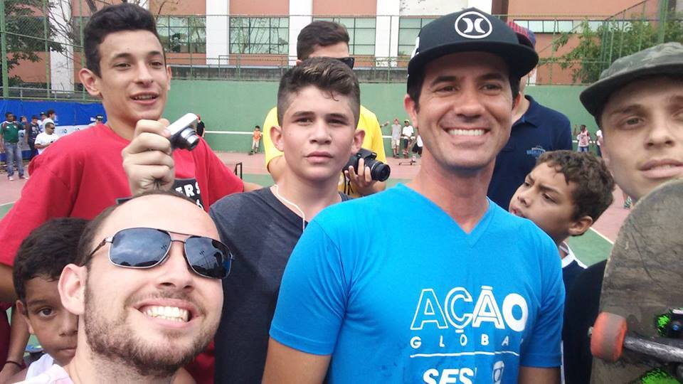 SELFIE COM O SKATISTA BOB BURN QUIST