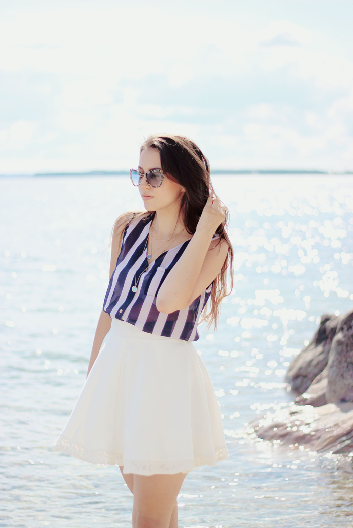 Beach outfit fashion blogger