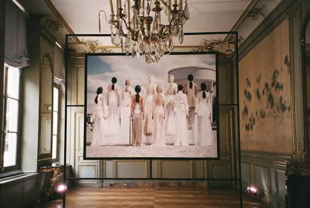 http://4.bp.blogspot.com/-un1oRFzoVZg/ThjXF2AG_II/AAAAAAAAC0c/QwiRQUaPeFM/s1600/Givenchy6.jpg