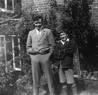 Golding (right) with his brother Jose in c. 1924