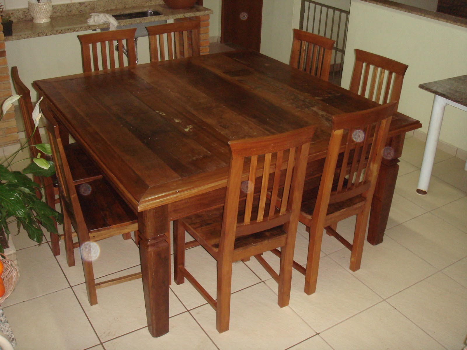antiguidades: Jogo de mesa e cadeiras em madeira de demolição #6E391E 1600x1200