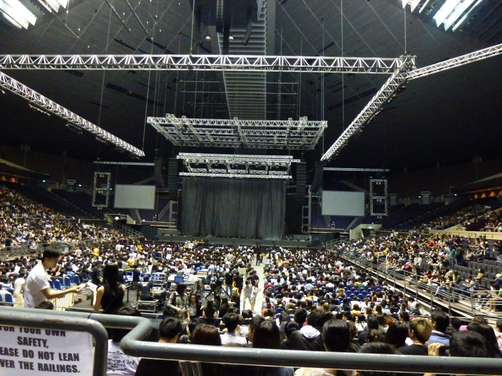 how to travel to singapore indoor stadium