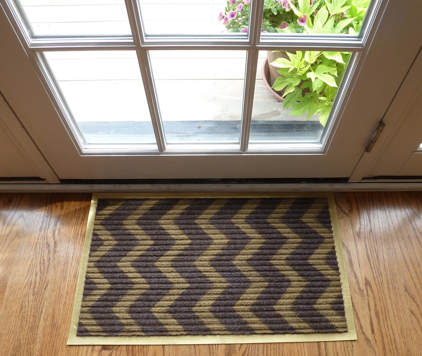 DIY Night Chevron Doormats Design Improvised