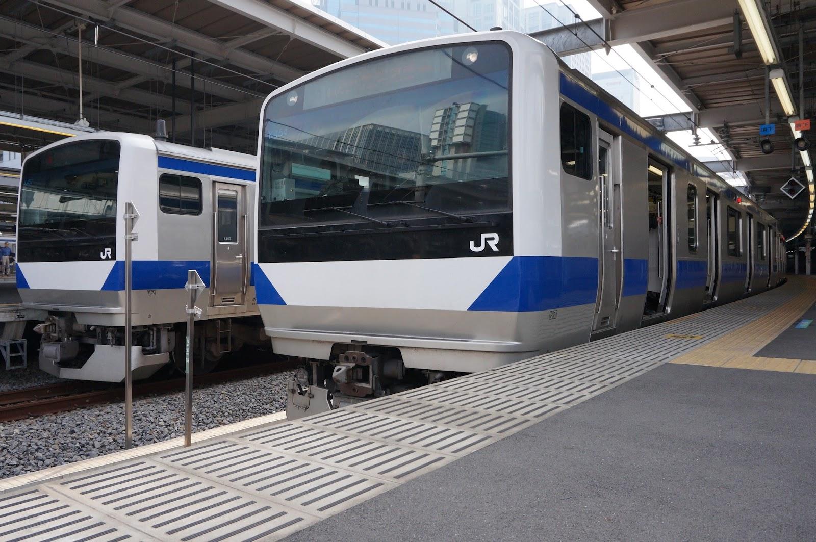 品川駅停車中の上野東京ラインE531系