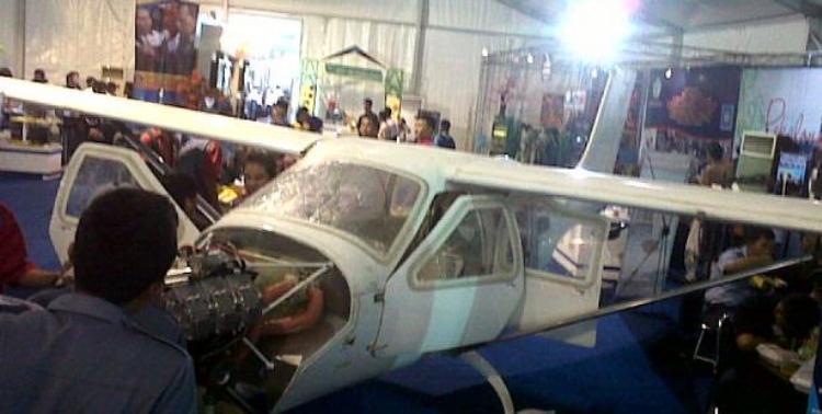 Pesawat Jabiru (J-430), SMK 12 Bandung. ZonaAero