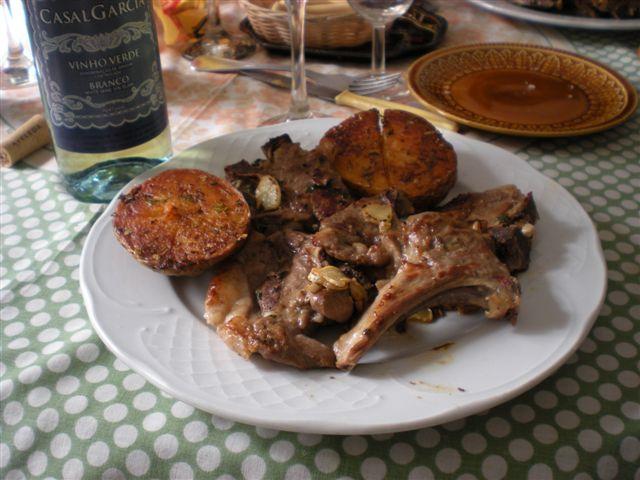 Elrincondeatalaya3 chuletas de cordero con patatas al horno - Chuletas de cordero al horno ...