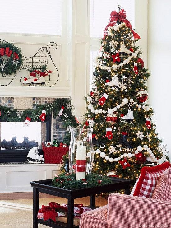 Cách trang trí cây thông theo tông màu đỏ trắng