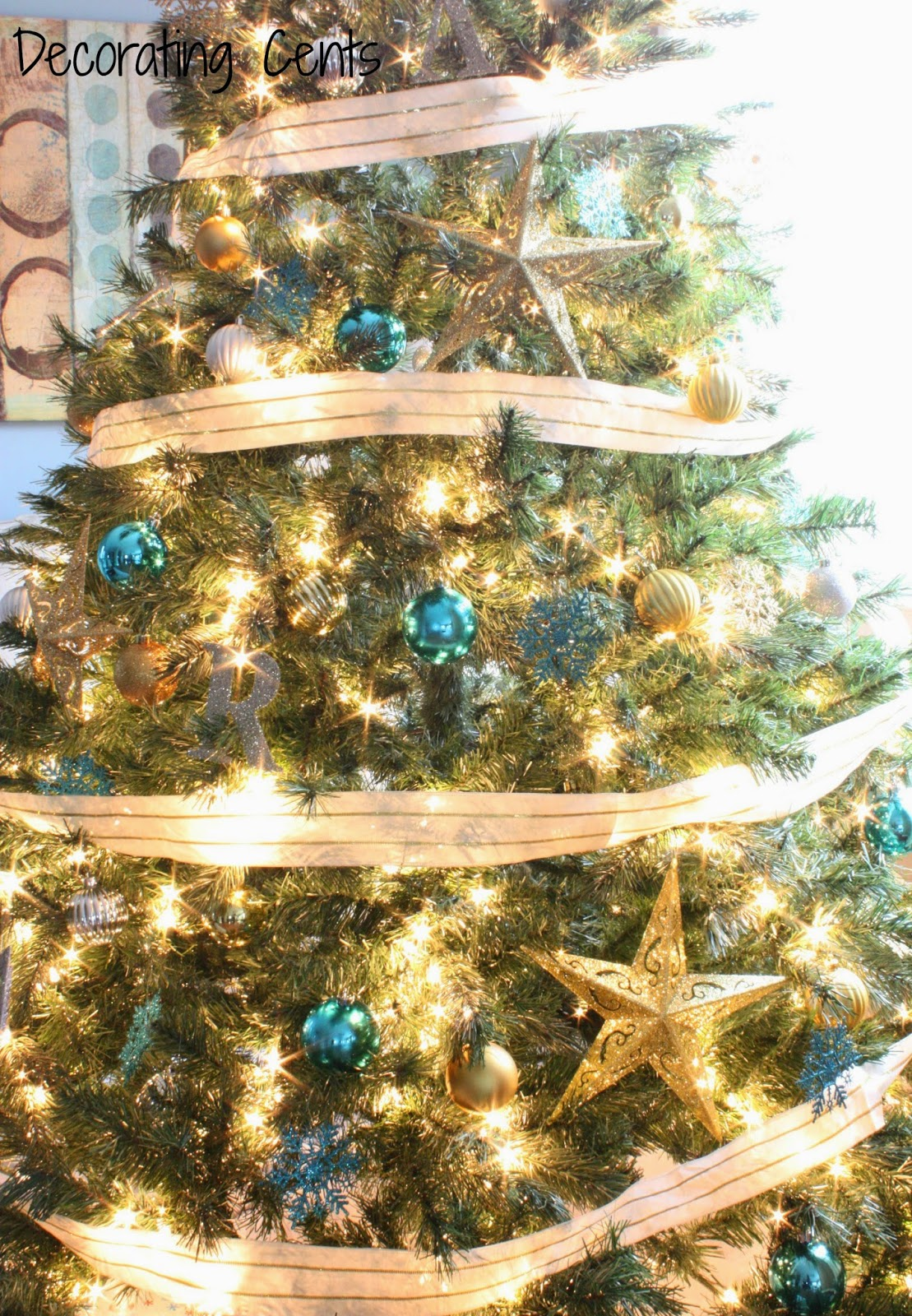 Blue and gold christmas tree decorations - I Love The Three Colors Together