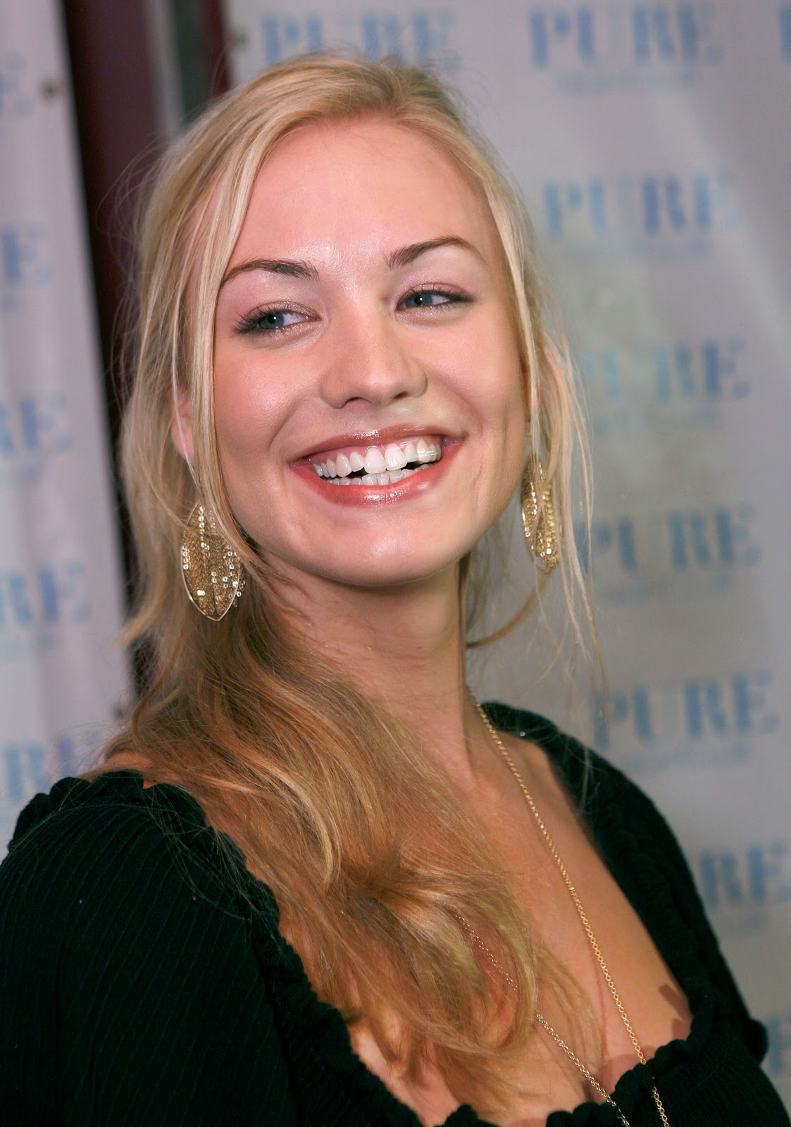 strahovski yvonne dating Yvonne strahovski source is an unofficial and non-profit fansite dedicated to yvonne strahovski i am not associated with yvonne or her management.