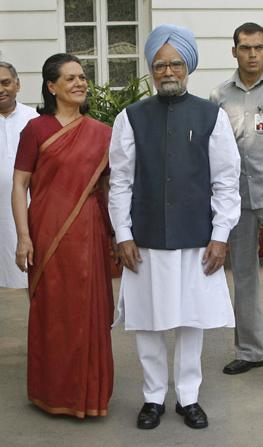 Sonia With Manmohan Singh