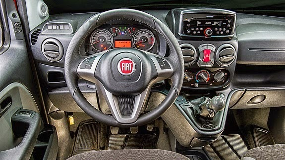 Fiat revela nova Doblò 2015 na versão de passageiros
