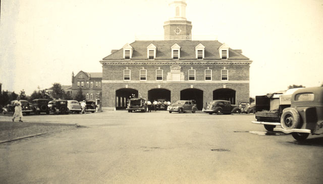 Fire department in Stillwater Oklahoma in early 1900's: http://lillyslettercollection.blogspot.se/