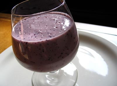 Blueberry and Maple Syrup Oat Smoothie | Lisa's Kitchen | Vegetarian ...