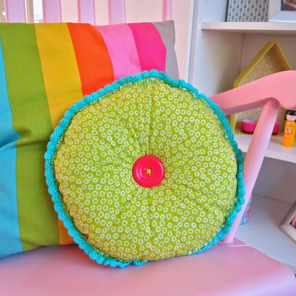 Color \'n Cream Crochet and Dream: Round Cushion Tutorial With ...