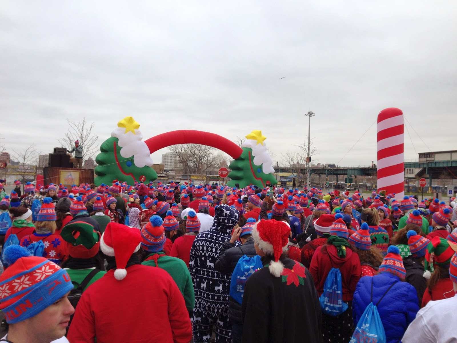 the ugly sweater run starting line