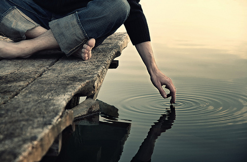 Alli la soledad es mi amuleto.