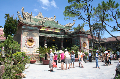 Visiting Linh Ung Pagoda - where makes your mind peace