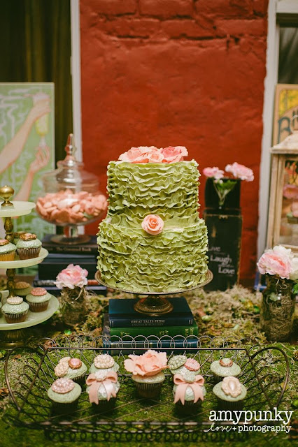 montreal romantic vintage wedding cake sweet table